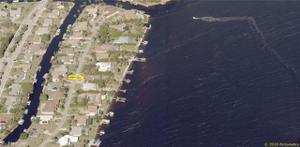 5239 Nautilus Dr, Cape Coral, FL 33904