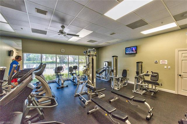 5115 Cedar Springs Dr 202, Naples, FL 34110
