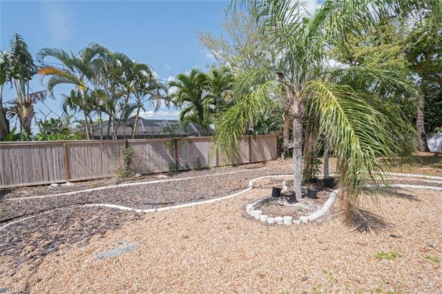 573 108th Ave N, Naples, FL 34108