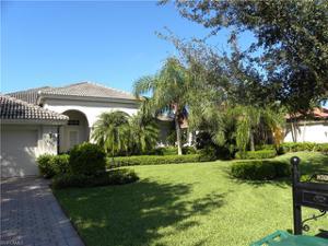 8709 Mustang Island Cir, Naples, FL 34113