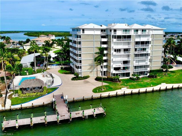 60 Pelican St W 303, Naples, FL 34113