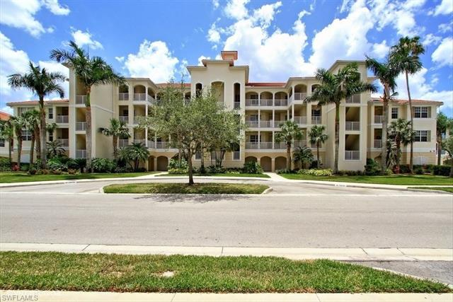 4874 Hampshire Ct 8-301, Naples, FL 34112