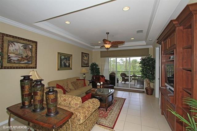 4874 Hampshire Ct 8-301, Naples, FL 34112