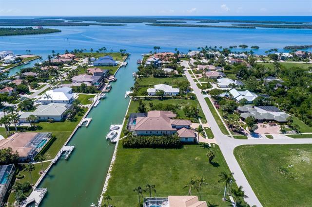 991 Inlet Dr, Marco Island, FL 34145