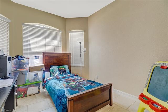 860 Desoto Blvd N, Naples, FL 34120