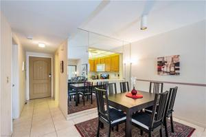 801 River Point Dr 107-a, Naples, FL 34102