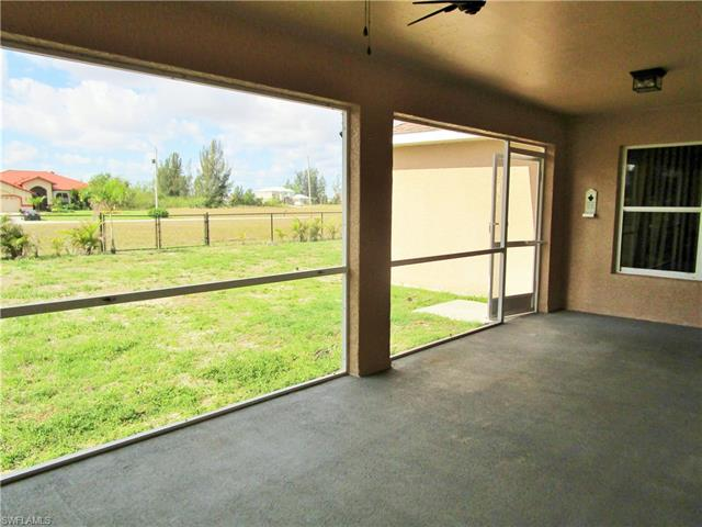 316 19th Ter, Cape Coral, FL 33909