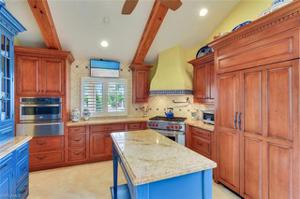 776 16th Ave S, Naples, FL 34102
