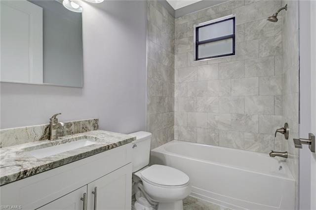 665 35th Ave Nw, Naples, FL 34120