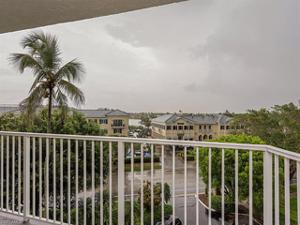 1300 Gulf Shore Blvd N 503, Naples, FL 34102