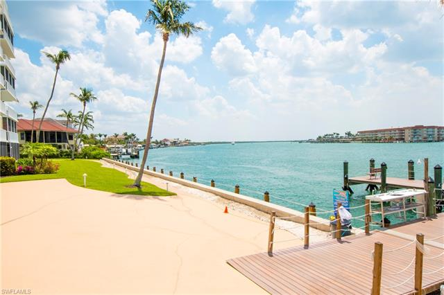 60 Pelican St W 702, Naples, FL 34113