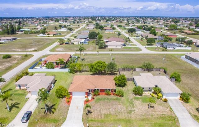 1106 2nd Pl, Cape Coral, FL 33909