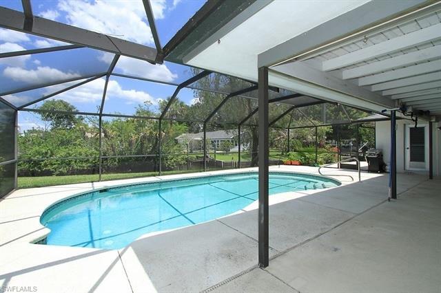 2216 Violet Dr, Fort Myers, FL 33905