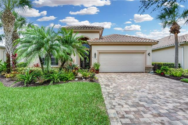 9115 Crystal Ct, Naples, FL 34120