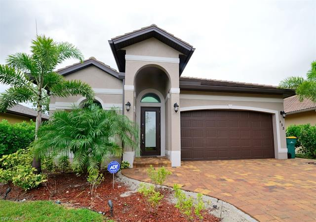 833 109th Ave N, Naples, FL 34108