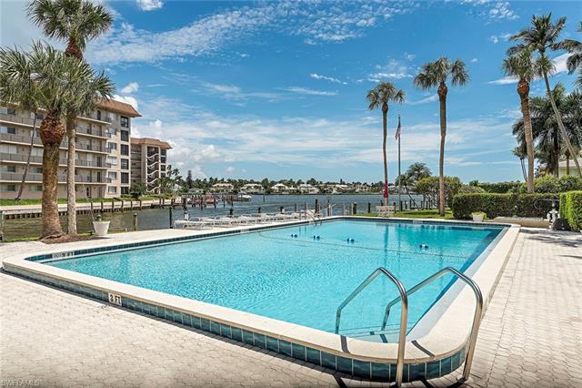 2880 Gulf Shore Blvd N 303, Naples, FL 34103