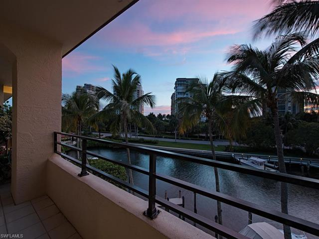 4400 Gulf Shore Blvd N Ph-505, Naples, FL 34103