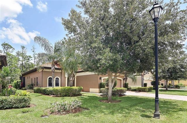 8651 Mercado Ct, Fort Myers, FL 33912