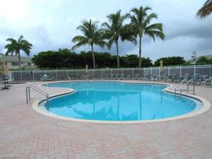 8232 Pacific Beach Dr, Fort Myers, FL 33966