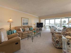 3300 Gulf Shore Blvd N 309, Naples, FL 34103