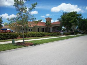 15108 Summit Place Cir 215, Naples, FL 34119
