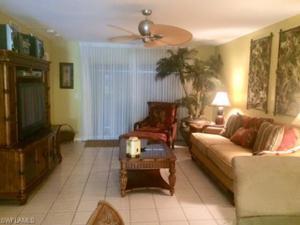 320 Horse Creek Dr 102, Naples, FL 34110