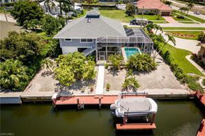 490 Pheasant Ct, Marco Island, FL 34145