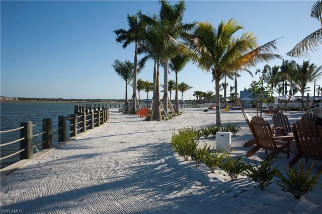 14582 Tropical Dr, Naples, FL 34114