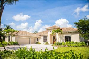 6321 Highcroft Dr, Naples, FL 34119