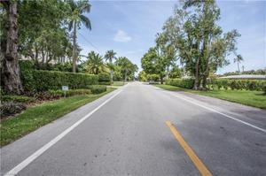 338 4th Ave N, Naples, FL 34102