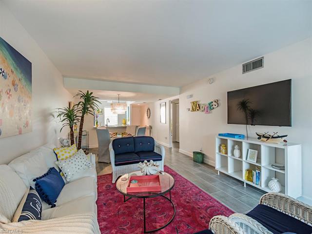 4200 Belair Ln 215, Naples, FL 34103