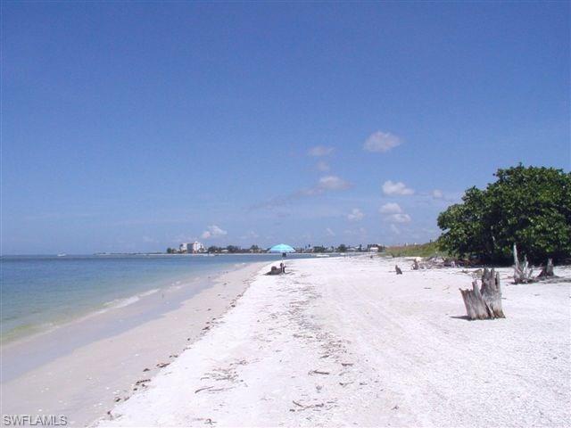 21420 Pelican Sound Dr 201, Estero, FL 33928