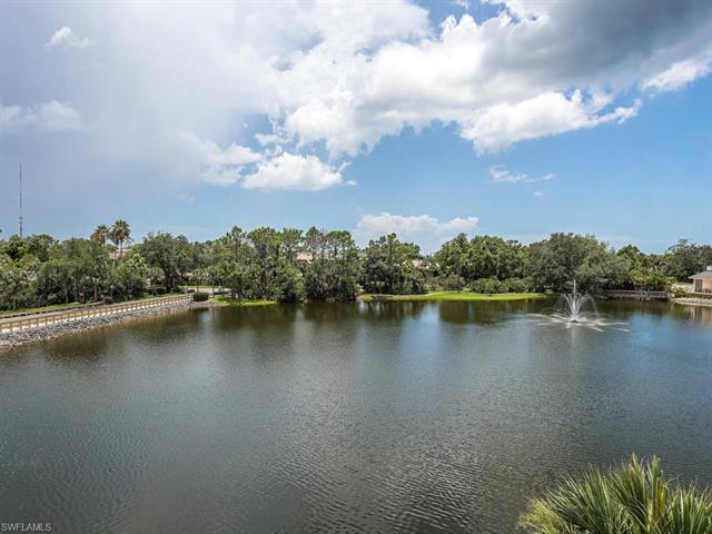 740 Waterford Dr 302, Naples, FL 34113