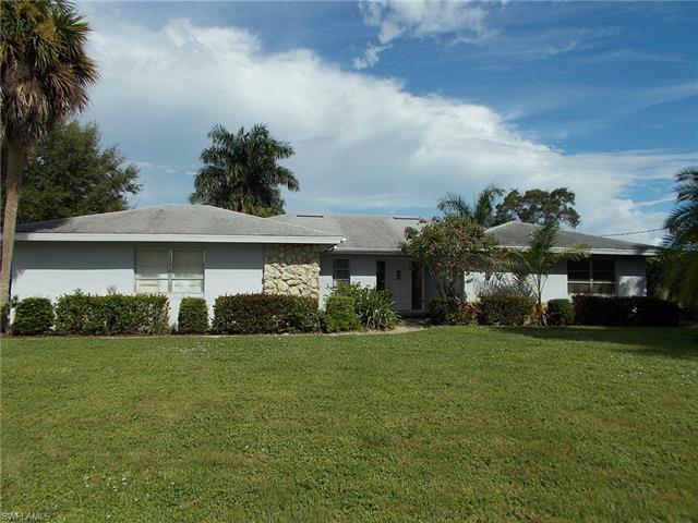 759 Wedge Dr, Naples, FL 34103