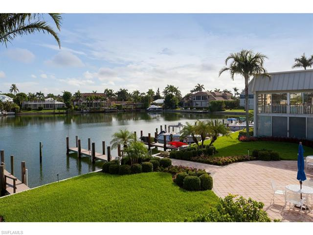 333 Harbour Dr 211, Naples, FL 34103