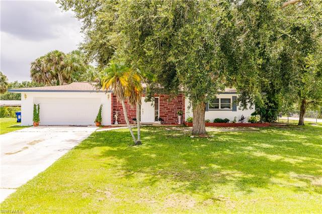 638 Camellia Dr, North Fort Myers, FL 33903