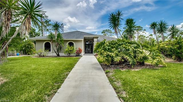 5960 Star Grass Ln, Naples, FL 34116