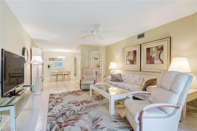 315 Saint Andrews Blvd B6, Naples, FL 34113
