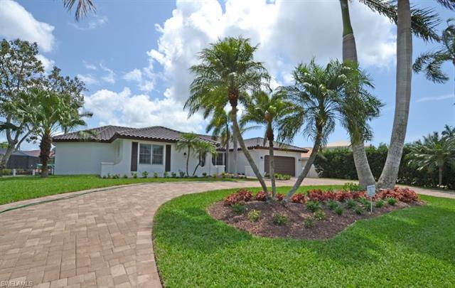 2105 Sheepshead Dr, Naples, FL 34102