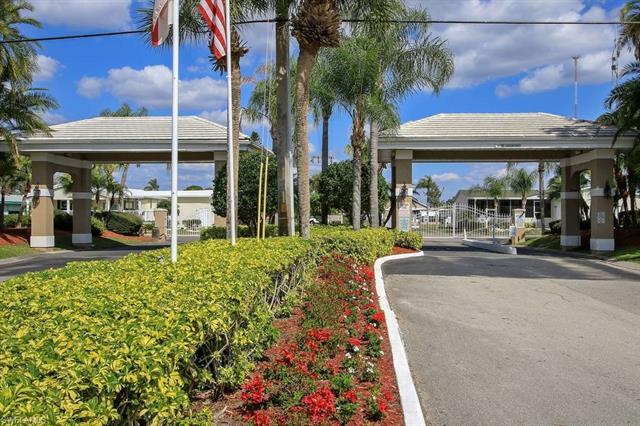 602 Plaza Del Sol, North Fort Myers, FL 33917
