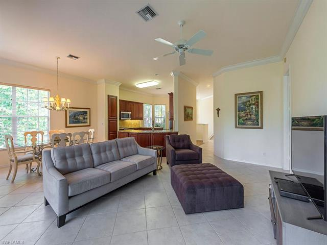 1085 Egrets Walk Cir 202, Naples, FL 34108