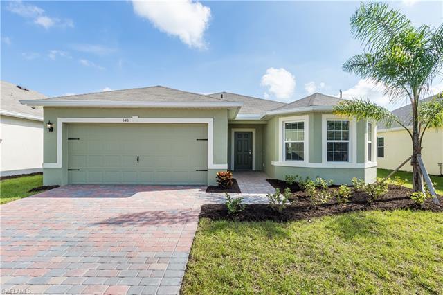 646 Wickham St, Naples, FL 34104
