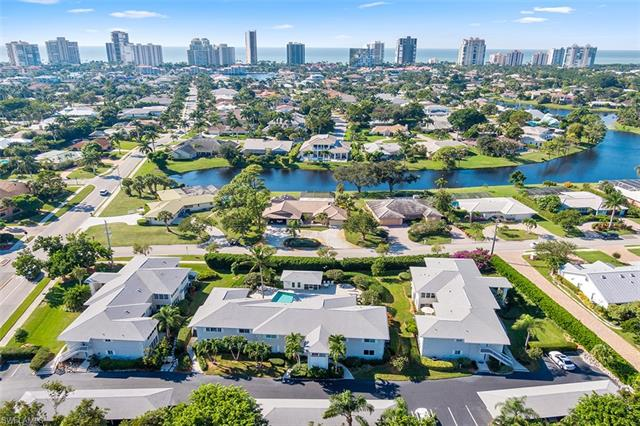 733 Neapolitan Way 733, Naples, FL 34103