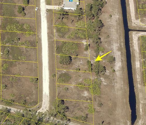 1061 Kirkwood St, Lehigh Acres, FL 33974