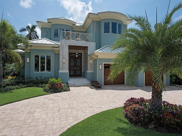 615 W Lake Dr, Naples, FL 34102