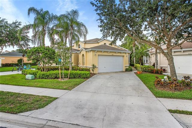 15067 Sterling Oaks Dr, Naples, FL 34110