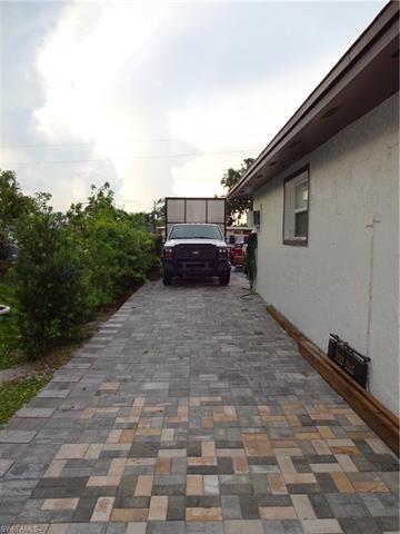 5330 Caldwell St, Naples, FL 34113