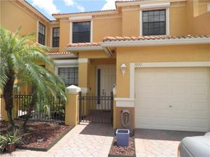 7577 Bristol Cir, Naples, FL 34120