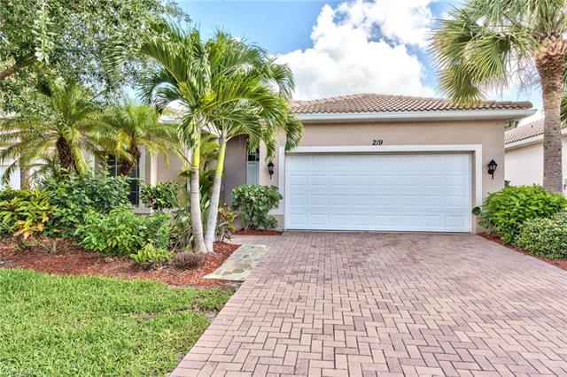 219 Glen Eagle Cir, Naples, FL 34104