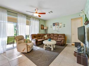 2053 Fairmont Ln, Naples, FL 34120